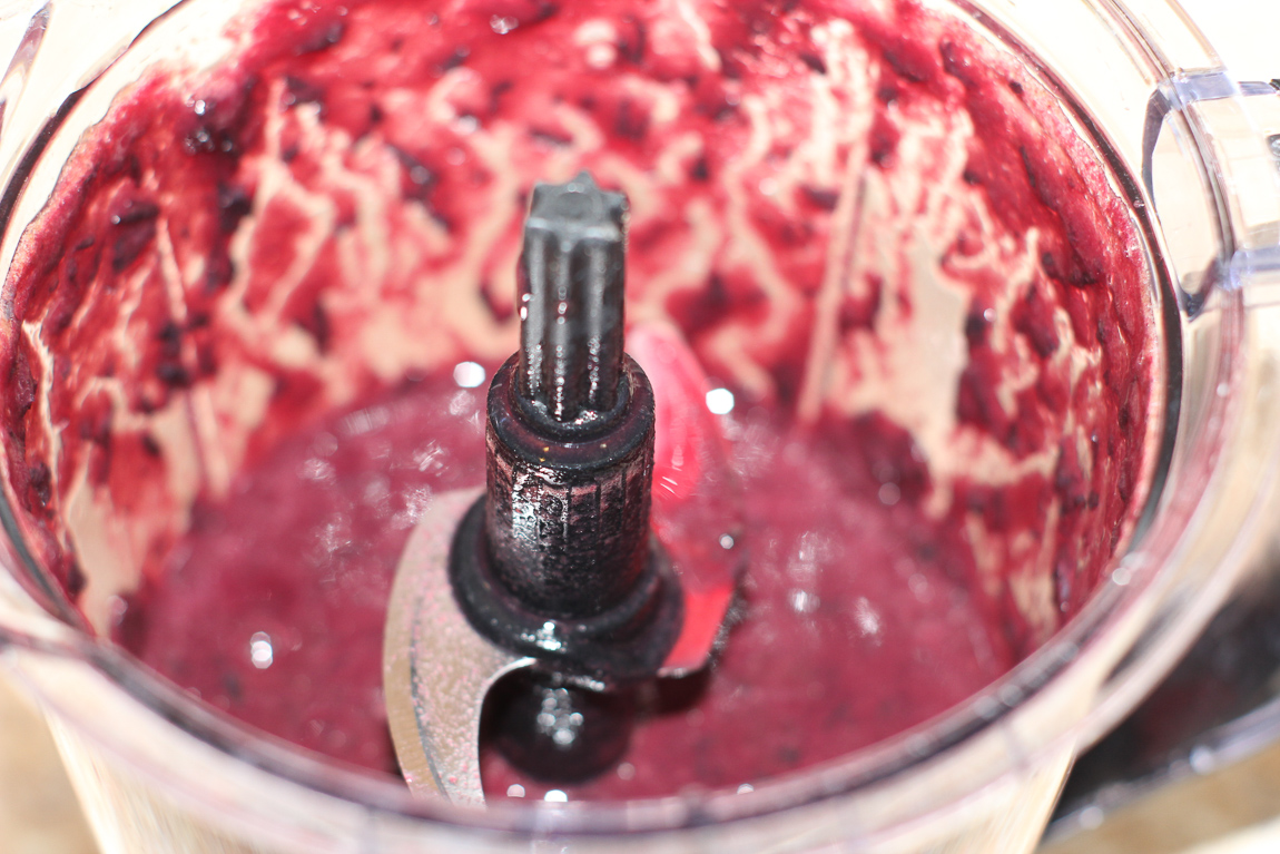 Blending concord grape hulls